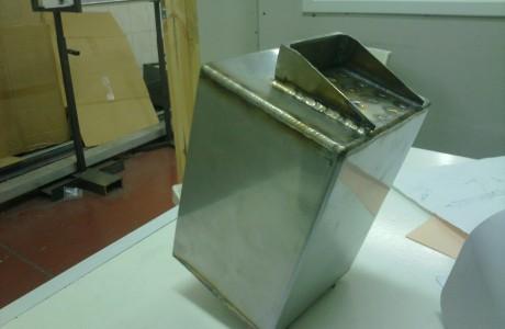 ריתוך נירוסטה של קופסאות לטיל חץ